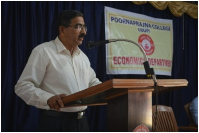 Dr.Shivshankar Bhat  , Head of Department of Economics, Govinda Dasa College, Surathkal  was the guest of honour for the Inaugural function.